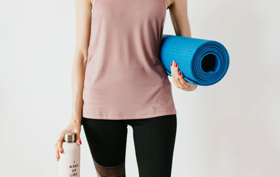 Post Image How to Get Prepared for a Yoga Class Carry yoga mat - How to Get Prepared for a Yoga Class